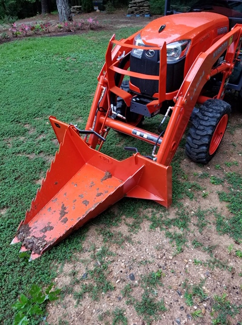 CRI Kubota B with Sub-Compact Stump Bucket 1